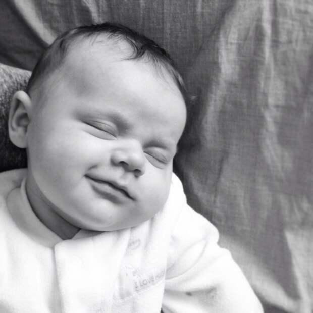 Малыши, которые светятся счастьем даже во сне