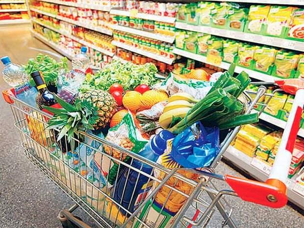 10 манипуляций, которые заставляют нас покупать больше в магазинах
