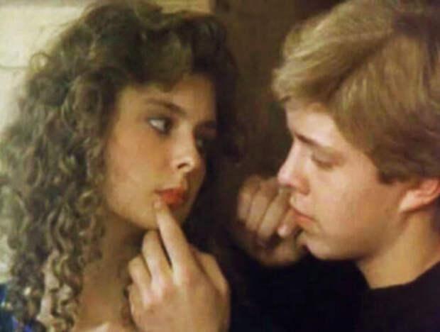 кадр из фильма «Шоу-бой», 1991 год