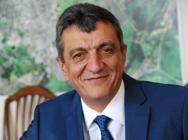 Губернатор Севастополя внимательно слушал и комментировал
