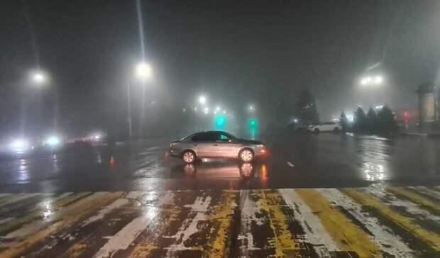 Водитель автомобиля вНовочеркасске сбил школьника-нарушителя