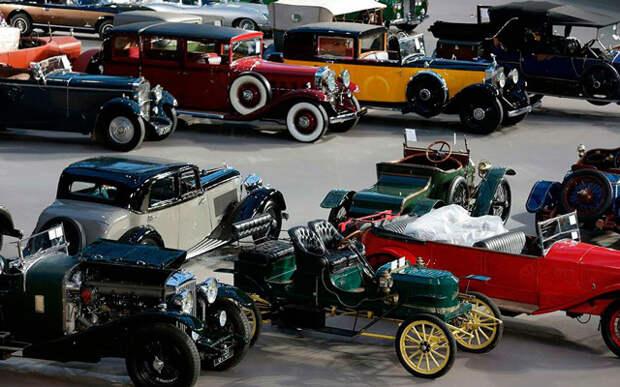 Некоторые ретро-автомобили можно увидеть только на выставках