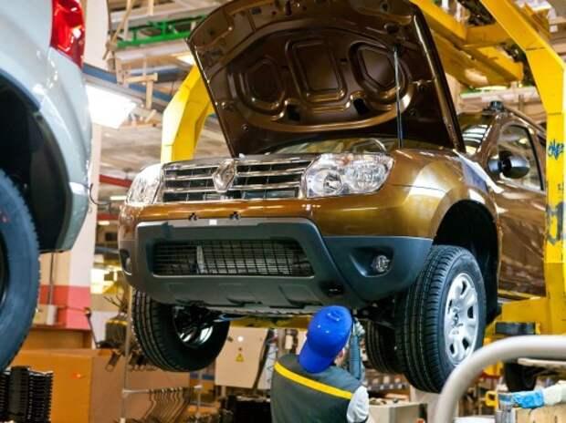 Выпуск легковых автомобилей в РФ в январе снизился из-за вынужденных каникул