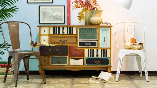 Оригинальный комод из старых чемоданов. \ Фото: diariovasco.com.