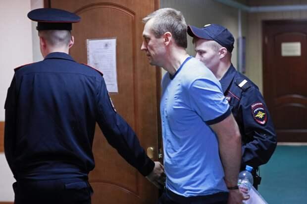 Киллеры из ФСБ избежали пожизненного срока, Захарченко урвал полгода, а кто-то заработал свободу