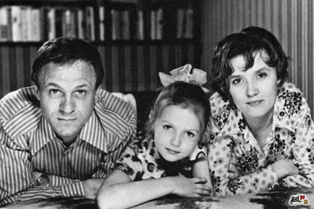 Владимир Меньшов с супругой Верой Алентовой и дочерью Юлей