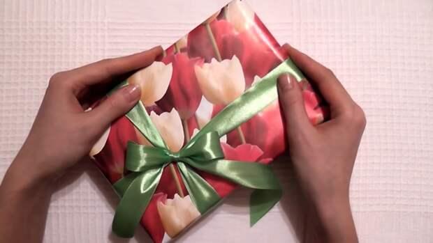 Бант из ленты на подарке (Diy)