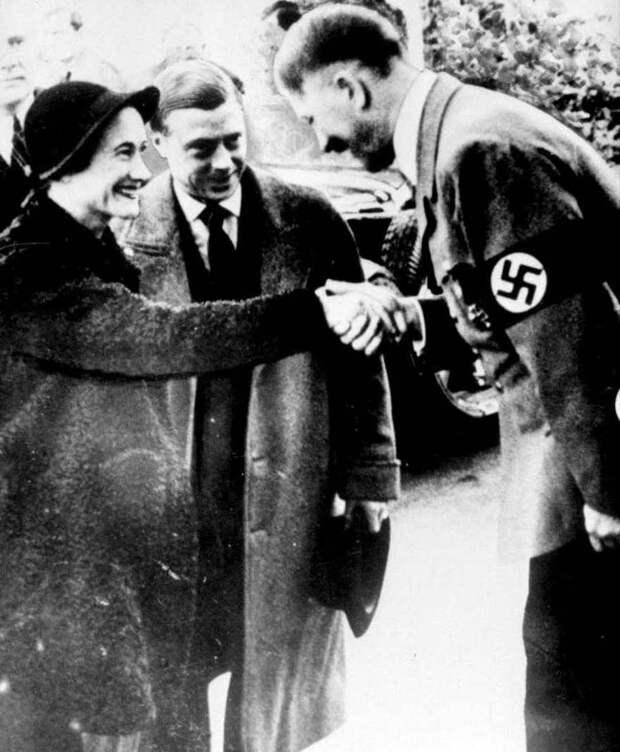 Эдуард VIII и Уоллис Симпсон с Адольфом Гитлером