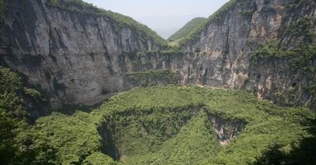 626 метров вглубь Земли: где находится самая глубокая карстовая воронка в мире
