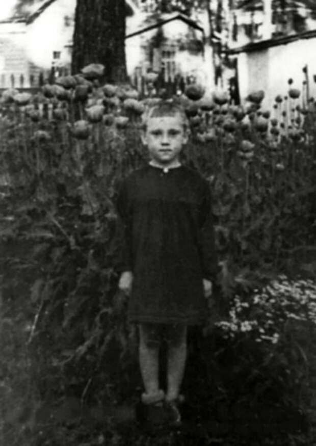 Володя Высоцкий в детском саду фабрики «Свобода» пос. Малаховка, Московской области