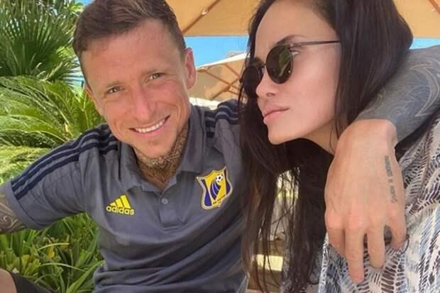 """Жена Павла Мамаева вышла на связь: """"Вы что? Не знаете мои приколы что ль?"""""""
