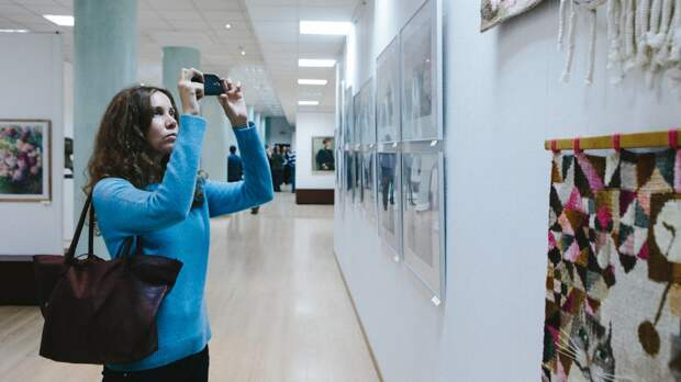 Выставка художников из ЛНР открылась в Москве