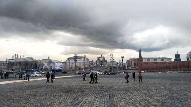 Главный архитектор Москвы назвал скандальную скульптуру «красивой и классной штукой»