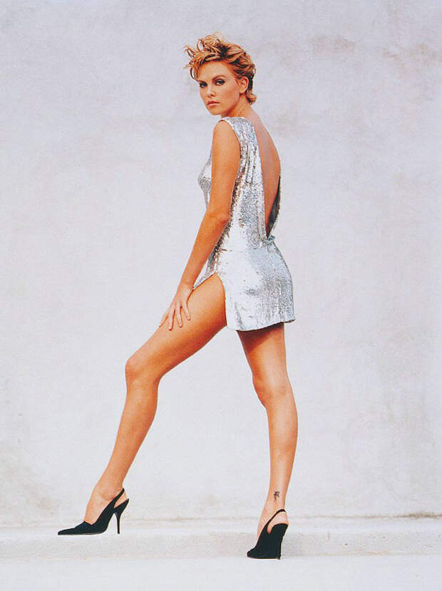 Шарлиз Терон (Charlize Theron) в фотосессии Ланса Стэдлера (Lance Staedler) (1997), фото 7