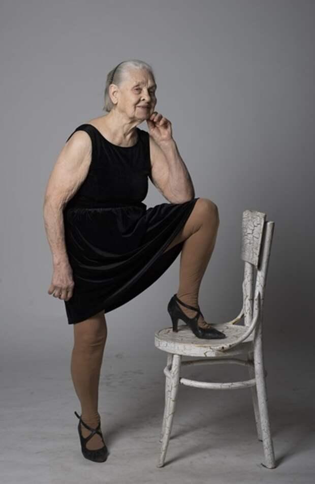 91-летняя украинка стала героиней ню-фотосессии