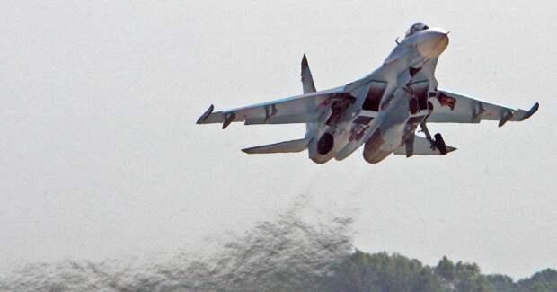 Су-27 перехватил самолеты Великобритании и США над Черным морем