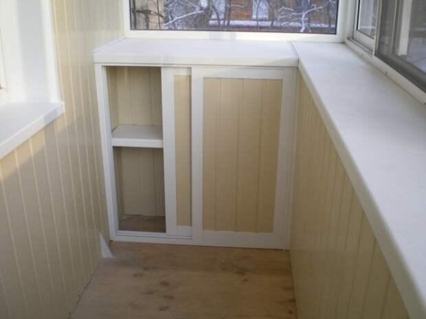 Очень много вещей можно уложить во встроенные шкафы - поверьте, вы освободите значительную часть комнат, если уложите нечто не очень важное на балконе Фабрика идей, балкон, дизайн, идеи, маленький, экономия пространства