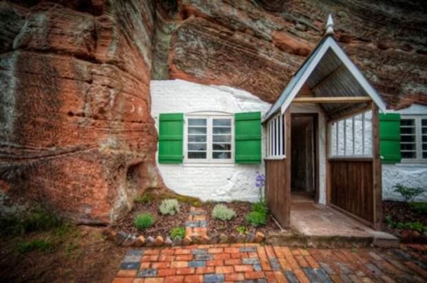 10 Каменных жилищ, которые поразят ваше воображение