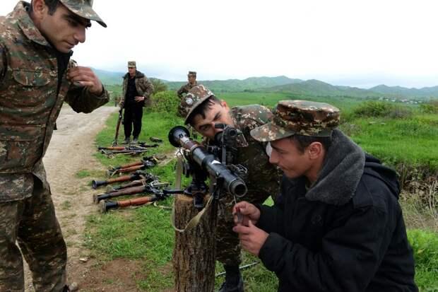 Российским миротворцам в Карабахе пришлось показать свою силу