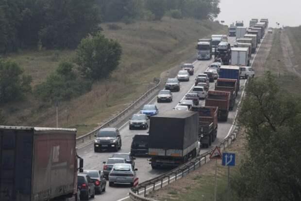 В России ужесточают правила для тяжелых грузовиков