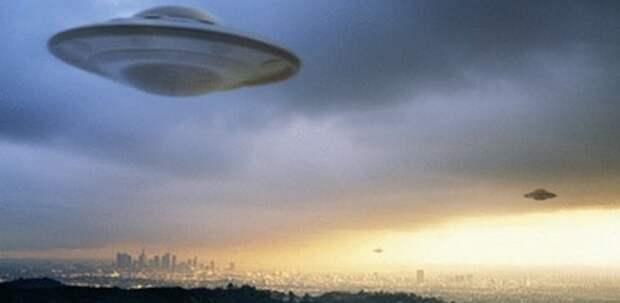 Уфологи правы: инопланетян не замечают только прикормленные ученые