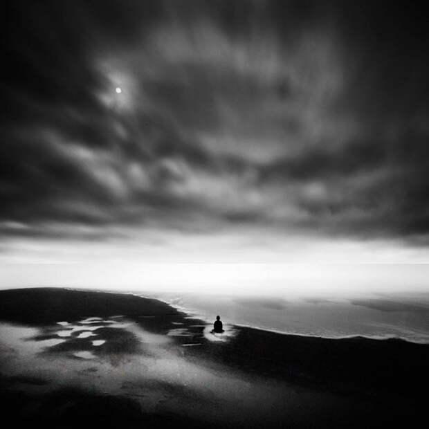 Умиротворение в черно-белом минимализме