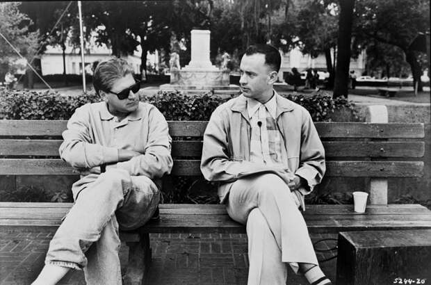 """Том Хэнкс и Роберт Земекис в на съёмках фильма """"Форрест Гамп"""", 1994 год"""