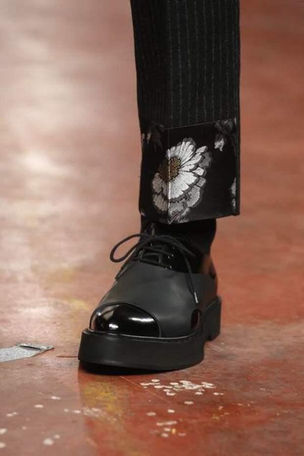 детали мода мужских брюк
