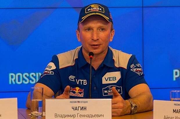 Владимир Чагин – руководитель команды, главный спикер на пресс-конференциях и семикратный победитель «Дакара».
