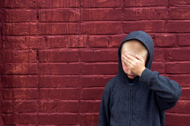 Как понять, что твоего ребёнка обижают в школе, если он молчит?