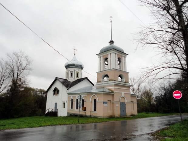 Церковь Троицы Живоначальной в Ямской слободе в Великом Новгороде