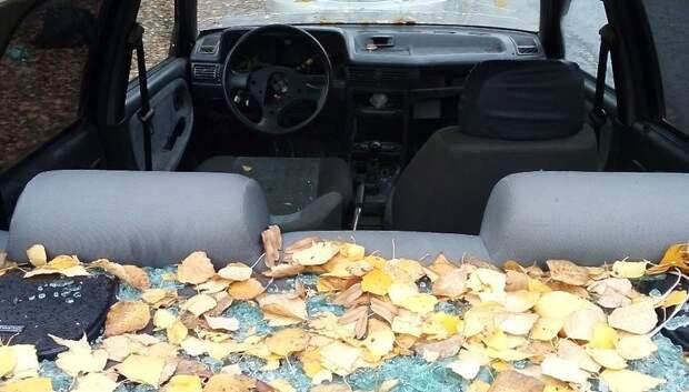 Брошенный автомобиль уберут с Юбилейной улицы до 19 ноября