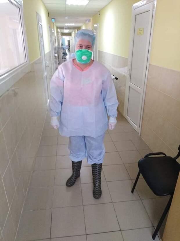 «Мы не защищены»: медсестра из Киева потребовала у власти «противочумной костюм»