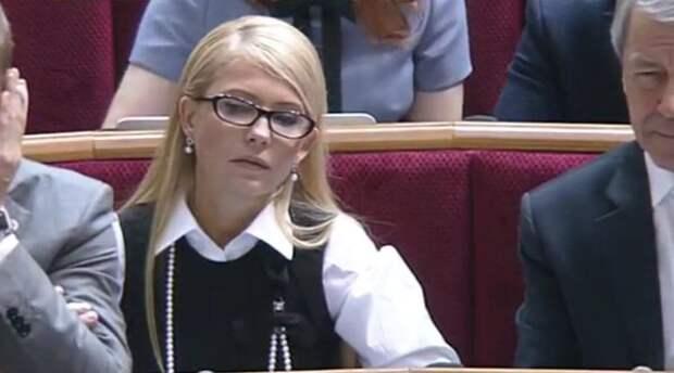 Новая прическа Тимошенко не сулит Яценюку ничего хорошего (фото)