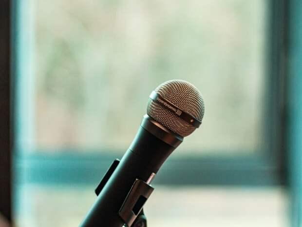 Пенсионеры из района Сокол поборются за звание лучшего вокалиста «Московского долголетия»