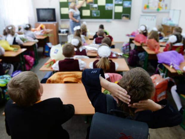 Школа выплатит 30 000 руб. первокласснику за отслоившийся линолеум у его парты