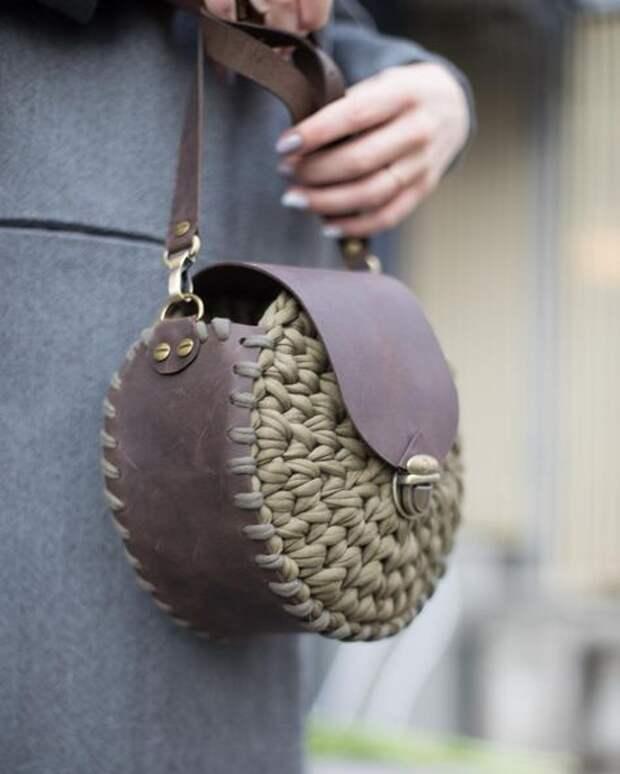 сумки  из кожи и трикотажной пряжи