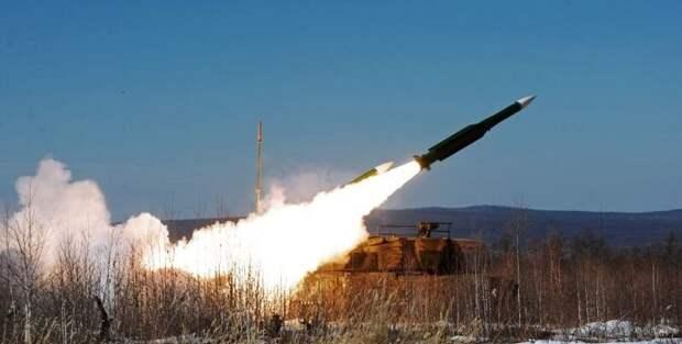 НАТО и размещение баз на границе с Россией: бессмысленный балаган