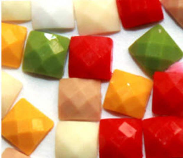 Сравнение наборов а технике алмазная вышивка или алмазная мозаика. Вы получите ответы на вопросы: Что входит в набор? Какой вид схемы лучше выбрать? Какие формы алмазиков используются? В чем особенности техники?