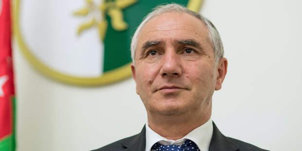 Премьер Абхазии стал и.о. президента