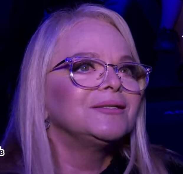 Лариса Долина скрывает, что ее молодой муж ушел к другой спустя 20 лет брака