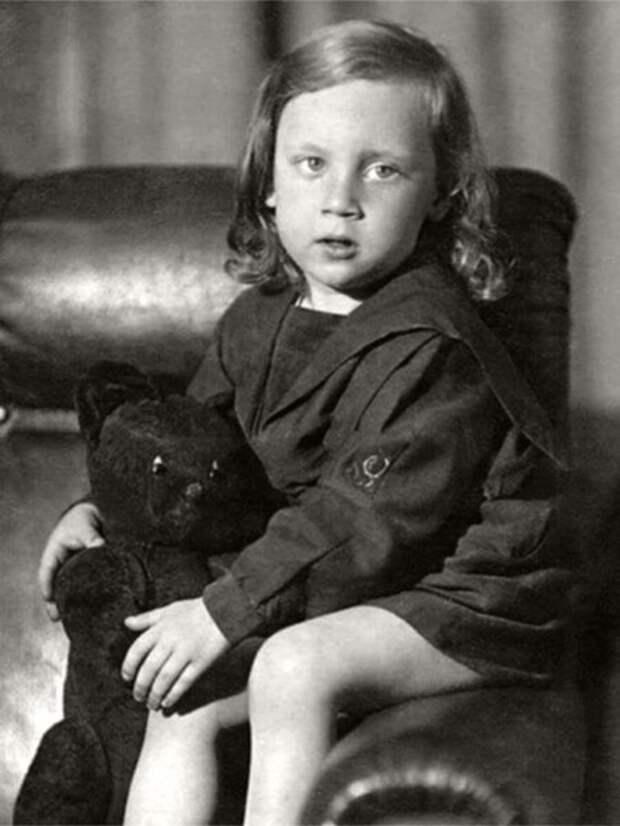 Детские фотографии Владимира Высоцкого, сегодня 38 лет со дня его смерти