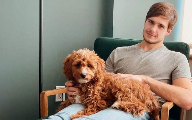 «Не захотели сдавать собаку в багаж». Шестеркин объяснил, почему во время паузы в сезоне не улетел в Россию