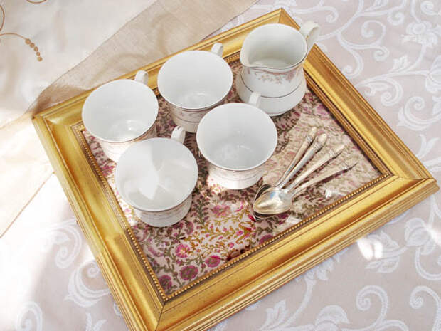 turn-old-picture-frames-into-serving-trays