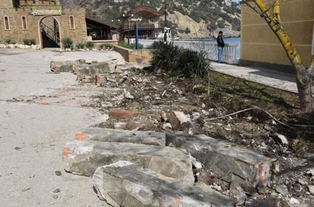 В посёлке Новый Свет началась реконструкция набережной