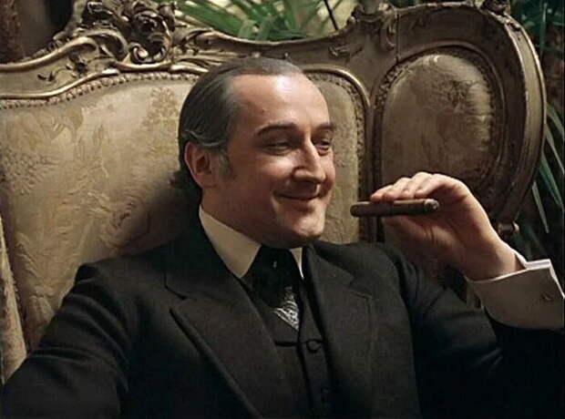 Майкрофт Холмс в воплощении Бориса Клюева.
