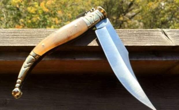 Испанская наваха: как запрет на клинки помог появиться легендарному ножу и почему у него столько форм