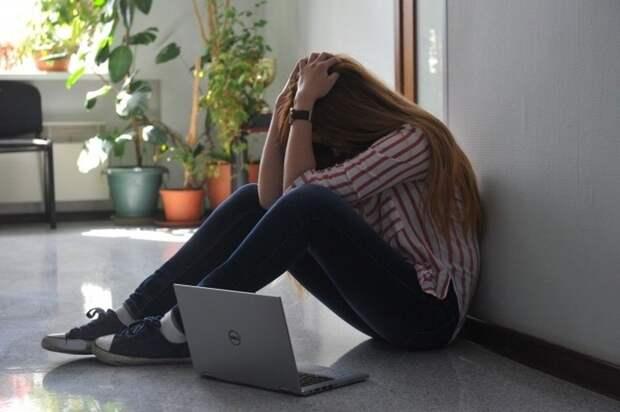 В Ялте спасли 14-летнюю девочку, которая могла упасть с вышки