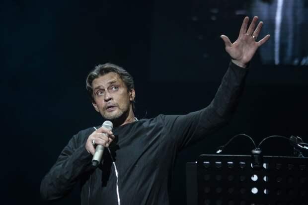 Александр Домогаров заявил, что не уважает зрителей, осуждающих Ефремова