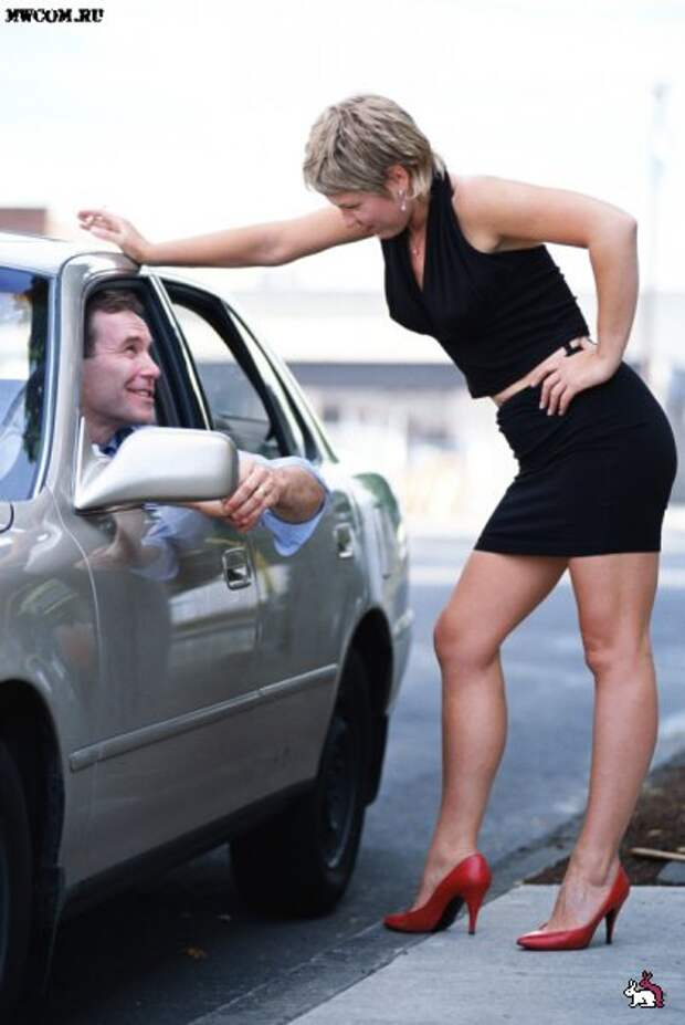 В МВД утверждают, что в России древнейшей профессией занимаются миллион человек, а депутаты одобрили законопроект об уголовном наказании для клиентов несовершеннолетних проституток.